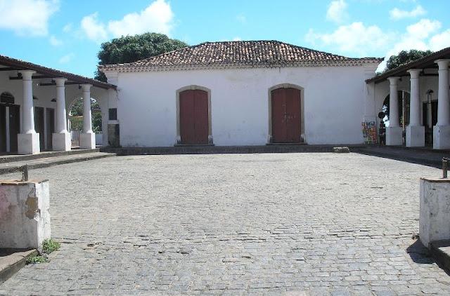 Mercado Da Ribeira, atualmente é um centro de venda de artesanato