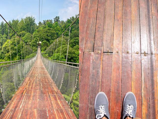 jembatan gantung situgunung