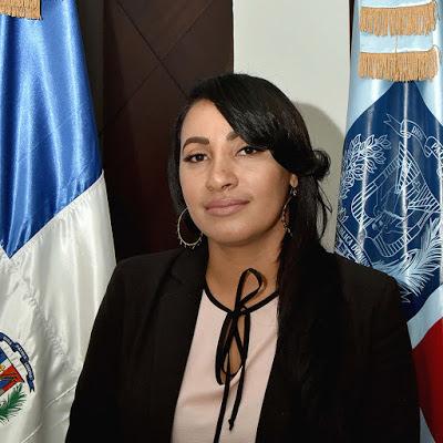 Licenciada Doris Veloz Suero directora regional de Educación 02 ...