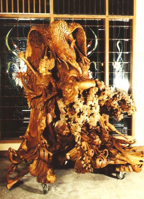 outdoor wooden sculptures