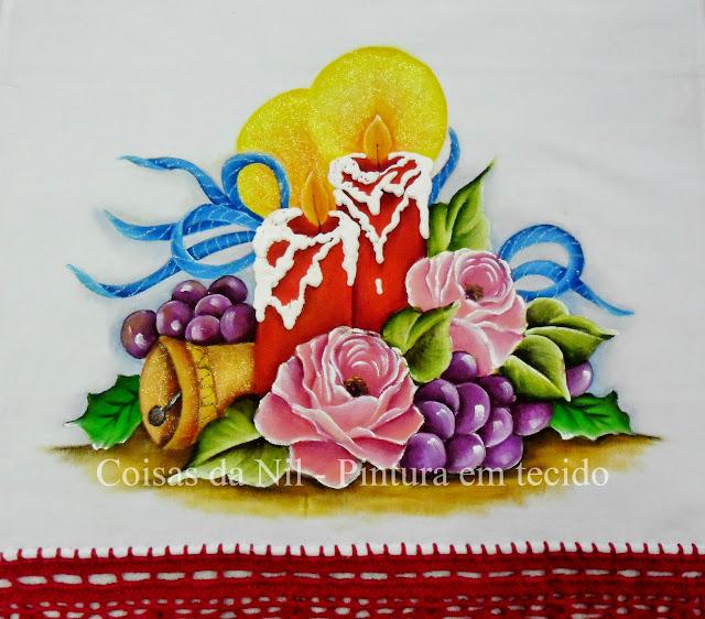pintura tecido com tema natalino velas vermelhas com sino e rosas