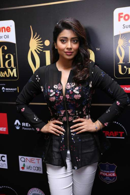 Shriya Saran posted on Twitter Wearing shriyasom by Shriya Bhopal for iffautsavam