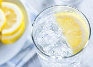 Ini Efeknya, Jika Konsumis Air Putih Dicampur Air Lemon di Tiap Pagi