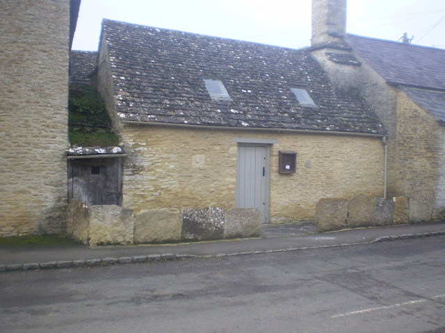 Blind House in Filkins