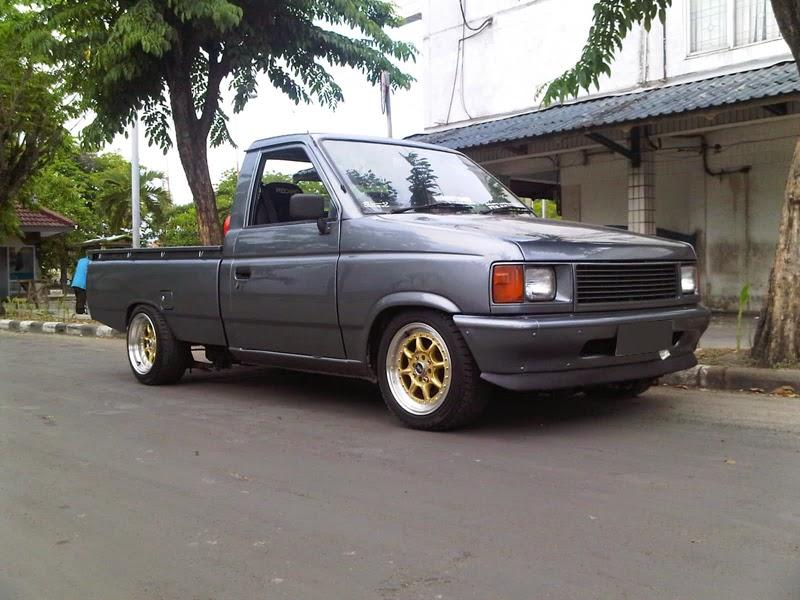 Dijual Mobil Bekas Surabaya - Isuzu Panther