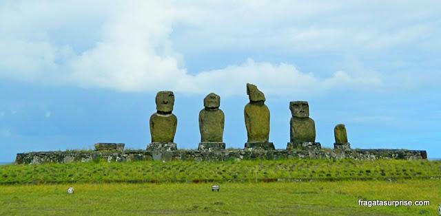 Ilha de Páscoa: Ahu Tahai, plataforma de moais à beira mar