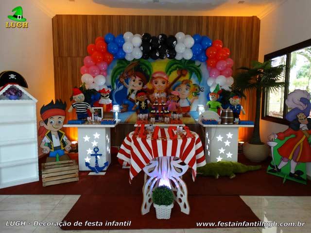 Decoração da mesa do bolo para festa de aniversário infantil Jake e os Piratas da Terra do Nunca