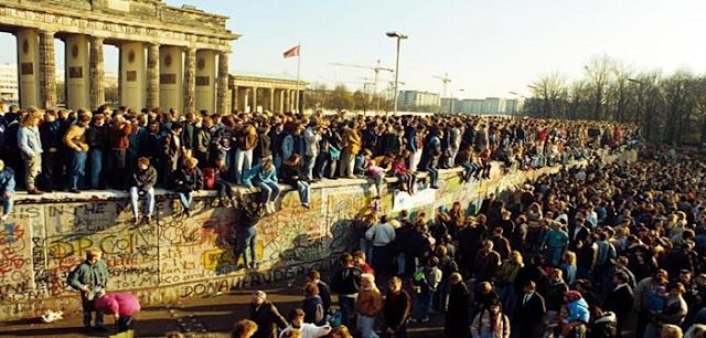 Λαϊκή Δημοκρατία Γερμανίας ,Τείχος του Βερολίνου