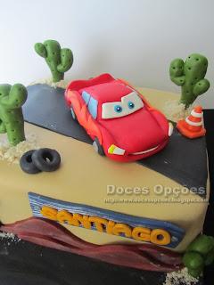 bolo aniversário Faísca McQueen doces opções bragança