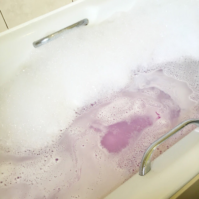 The Body Shop Bath Bombs Review