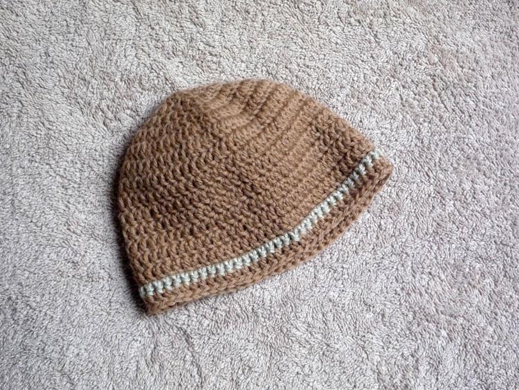 Dans Les Tiroirs  Tuto crochet   bonnet bébé c8632311d3b
