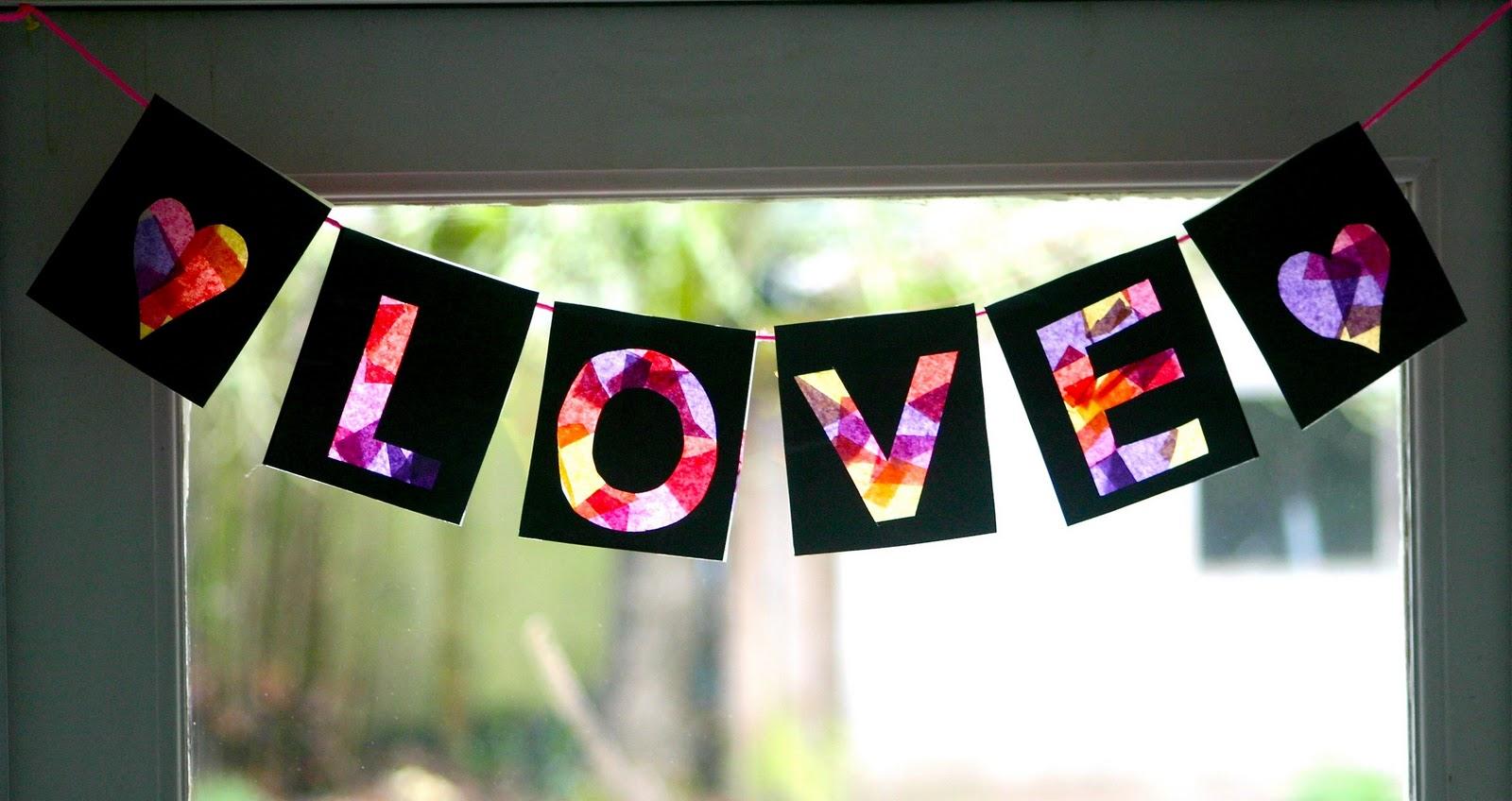 Mama's Little Muse Valentine's Day Love Banner Tissue