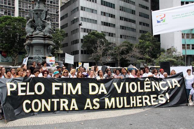 Mulheres em luta, nada a Temer. Caminhada dia 8 de março em comemoração ao Dia Internacional da Mulher