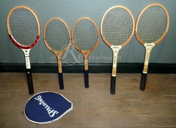 b6b6e0615 En venta un lote completo de 5 raquetas antiguas de gama alta de tenis. El  lote se compone de: - Una raqueta laminada