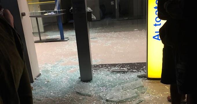 Três PMs trocam tiros com 15 bandidos e impedem assalto ao Banco do Brasil em Madalena