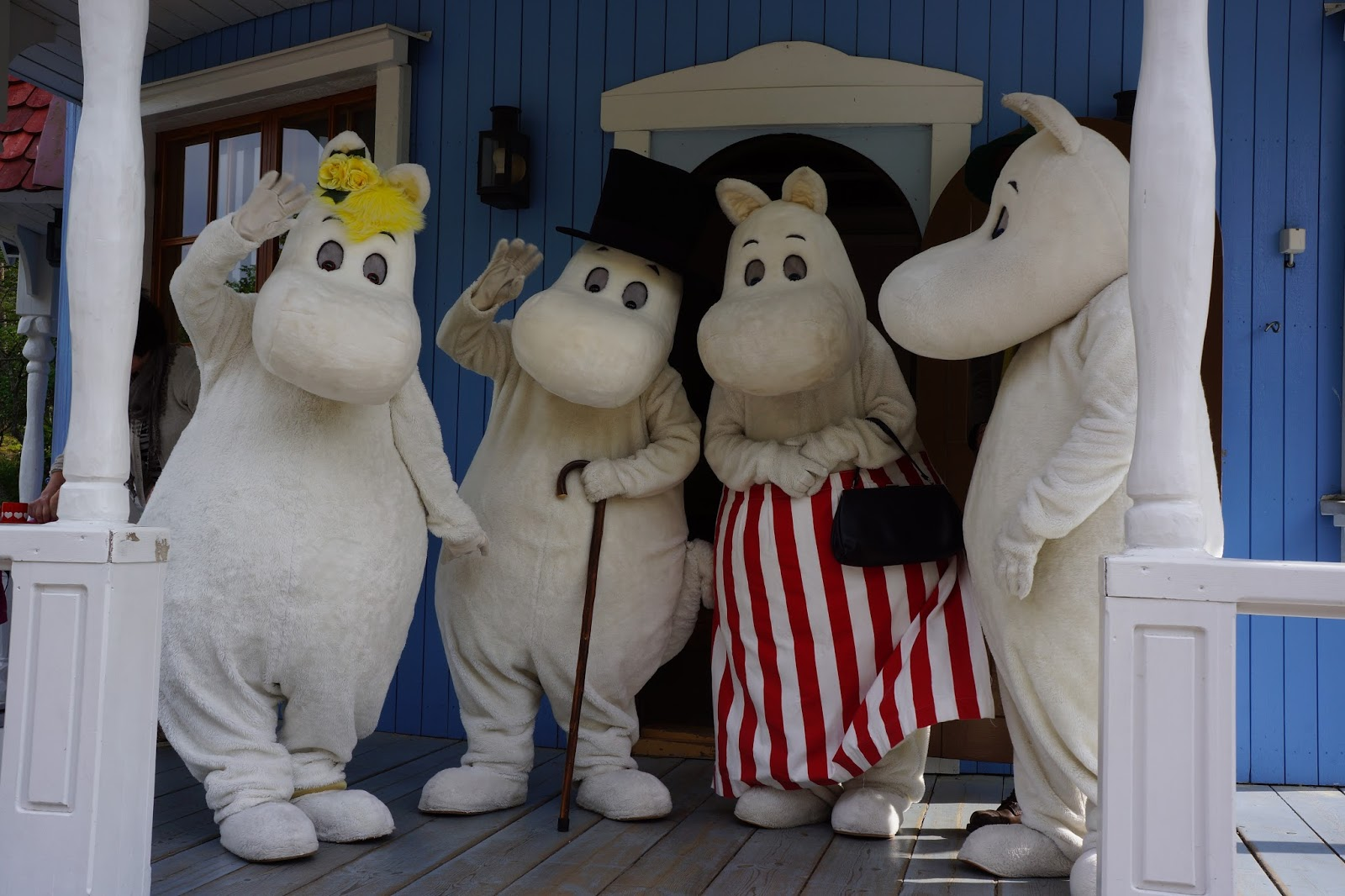 moomin family waving at you at moomin house