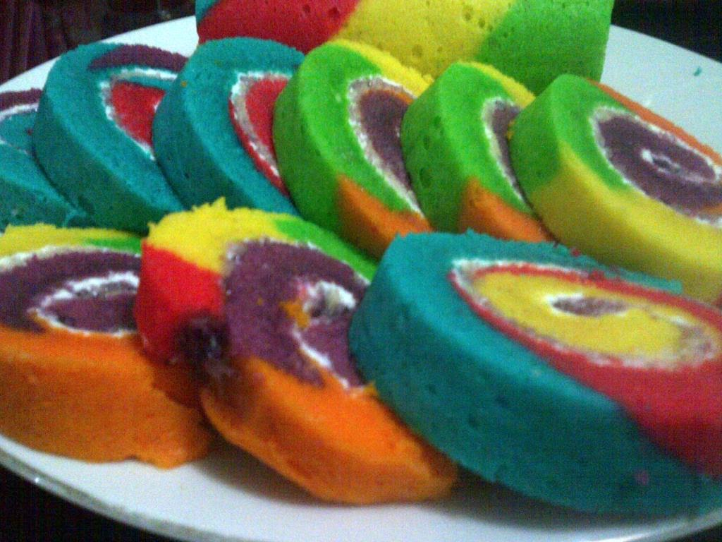 Dapur Khatulistiwa: Rainbow Steam Roll Cake
