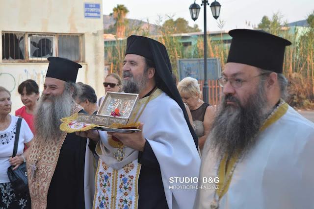 Το Ιερό Λείψανο του Αγίου Παρθενίου στο Ναύπλιο (βίντεο)