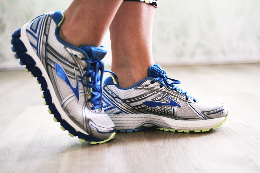 brooks shoes running