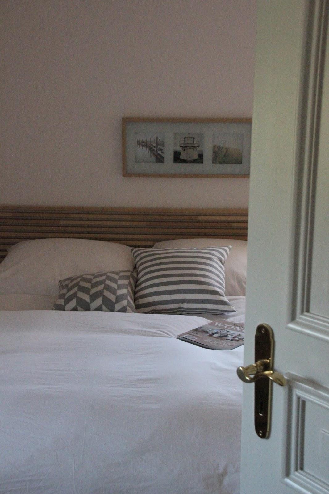 skandinavisches flair im schlafzimmer deko hoch drei. Black Bedroom Furniture Sets. Home Design Ideas