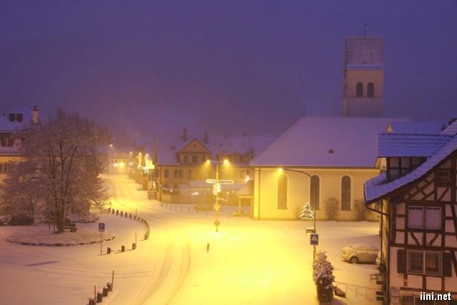 ảnh con phố nhỏ trong đêm đông