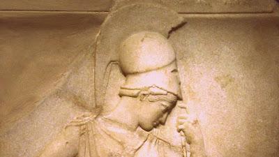 Μήπως πρέπει να ξανασκεφτούμε τον εκπατρισμό της «Σκεπτομένης Αθηνάς»;