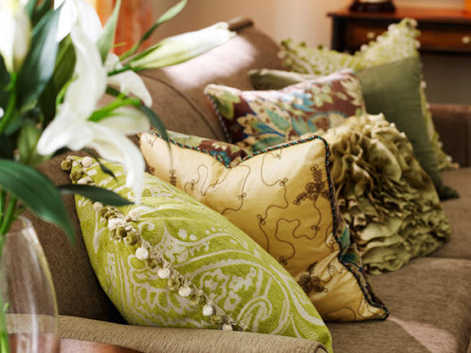 Using Pillows to Bring Color to your Room