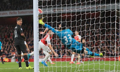 Petr Cech Reveals Secret Behind Spectacular Displays in Goal