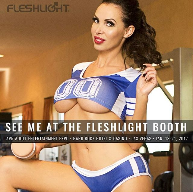 Nikki-Benz-look-forward-to-signing-autographs-at-Fleshlight-booth