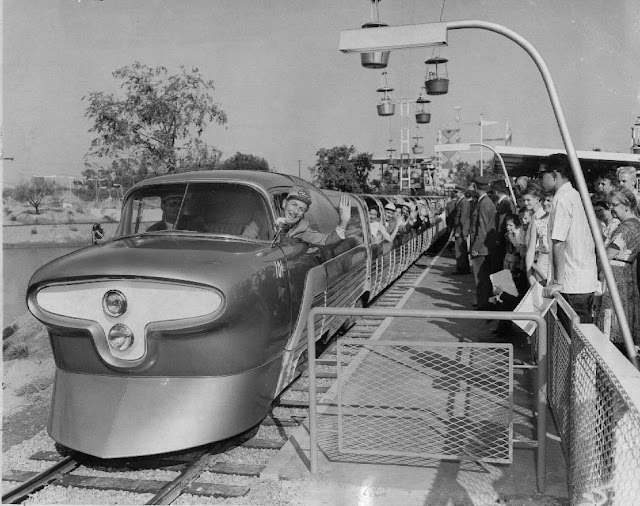 Viewliner Train 1958 Disneyland