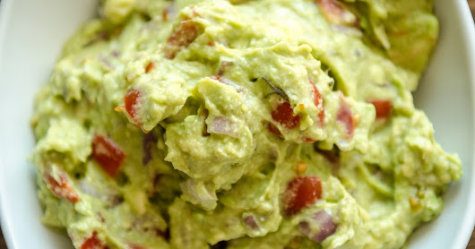 Fresh and Easy Guacamole