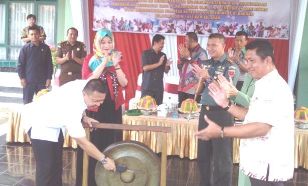 Bupati Kep. Selayar Canangkan, Bakti TNI Kesehatan Terpadu 2017