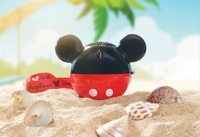 米奇和Duffy與好友等迪士尼朋友主題小風扇與冰感噴霧 Fans and Mist Sprayers featuring Disney friends Mickey Mouse and Duffy the Disney Bear 放玩奇妙當夏香港迪士尼樂園度假區 Hong Kong Disneyland Summer Chill