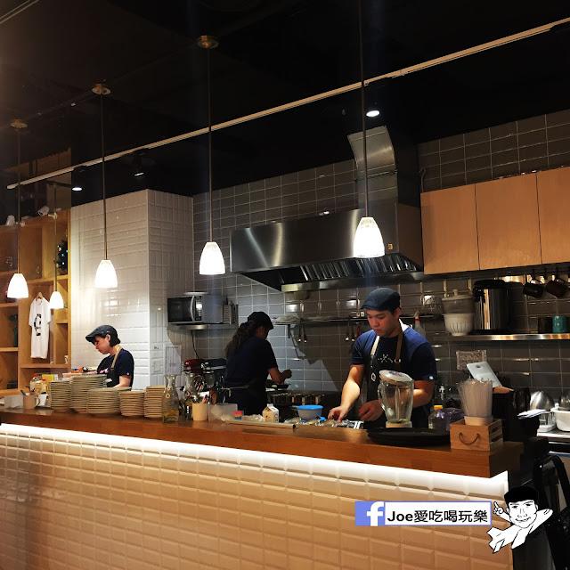 IMG 0286 - 【台中甜點】jamling Cafe 台中 - 來自東京鬆鬆軟軟入口即化的鬆餅 貓王鬆餅 吃起來有花生的甜 培根的鹹 ~一整個超級特別!!