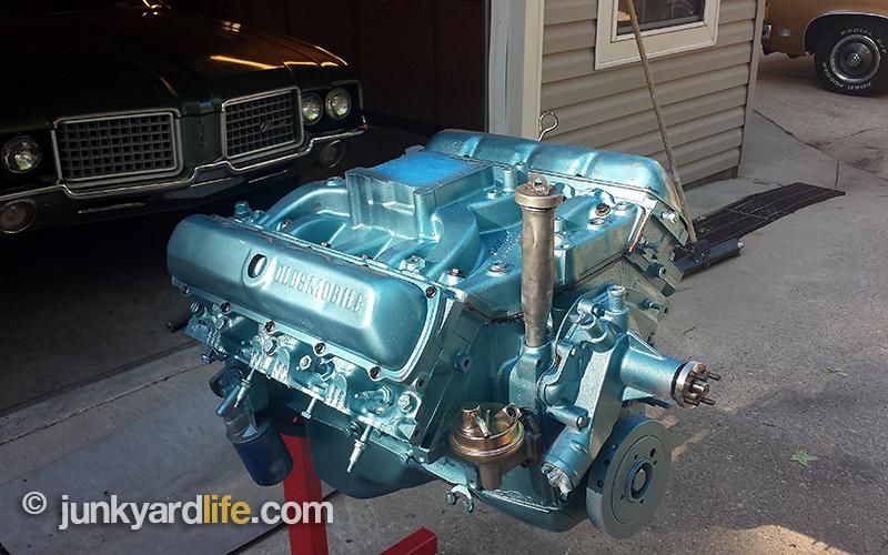 Rocket Olds Engine Vista Cruiser Stand