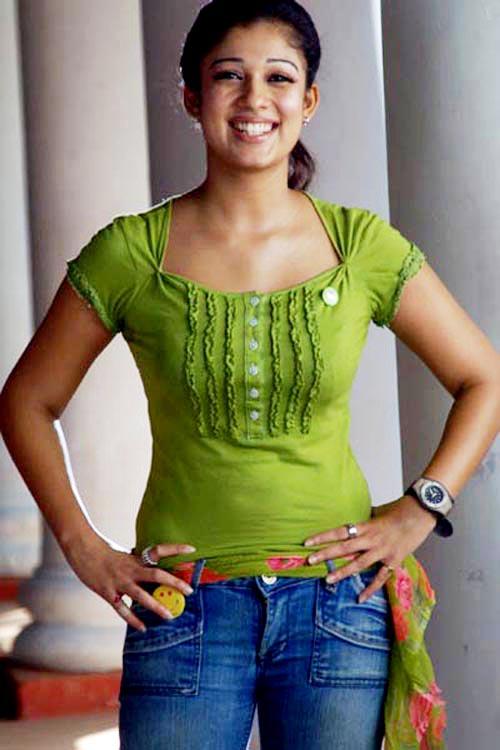 Nayanthara Hot Photos From Bodyguard Movie Stills  Cinindya-7402