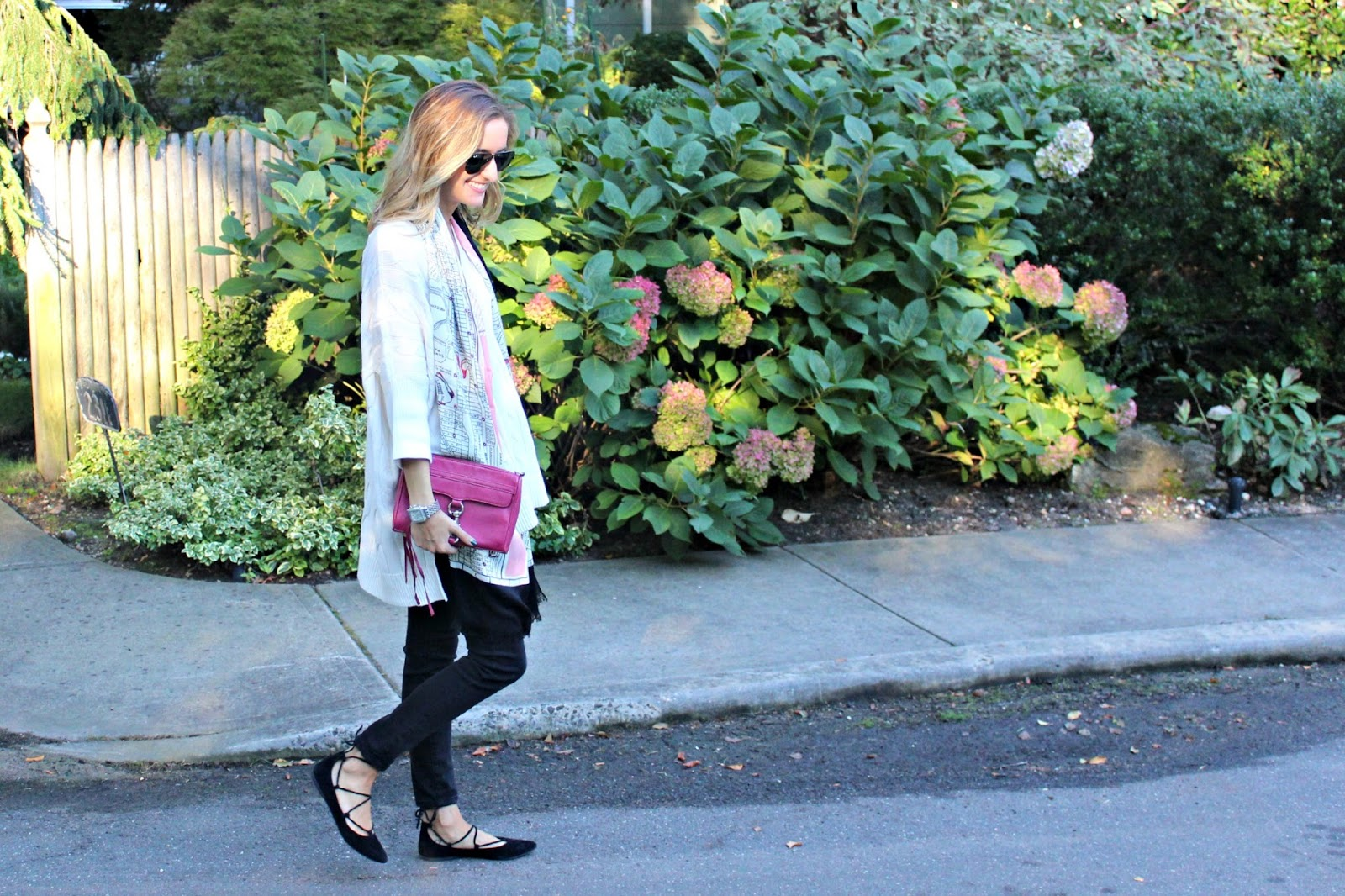 fall outfit with statement accessories
