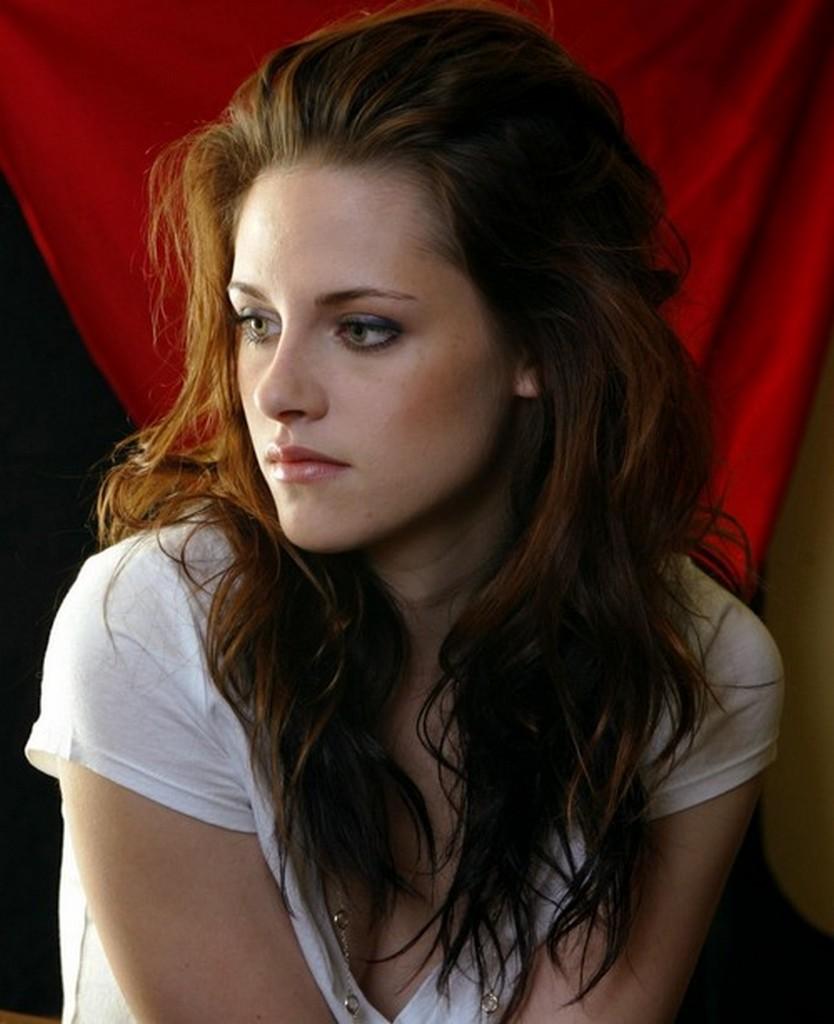 Hair Highlight Trends: Kristen Stewart Hairstyles 2012