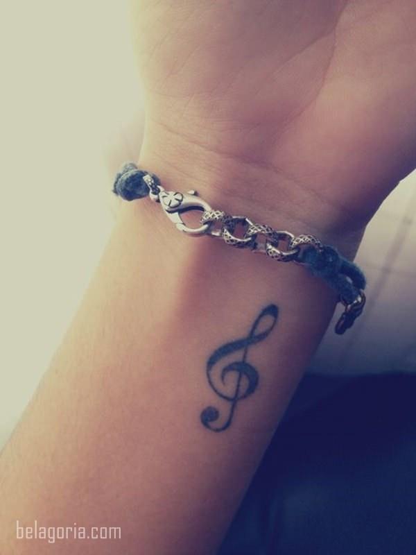 Tatuajes Para Mujeres Notas Musicales