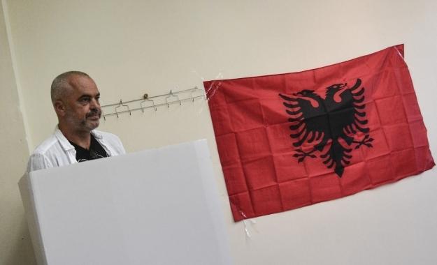 Τα λάθος μηνύματα προς τα Τίρανα και η αποθράσυνση του Έντι Ράμα