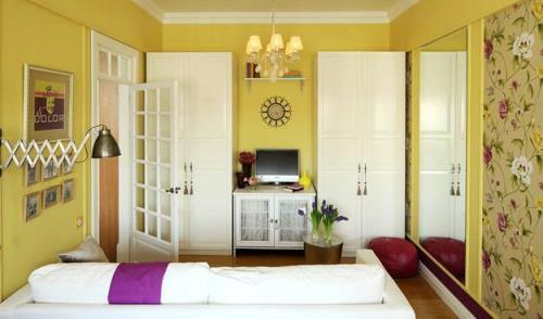 warna cat ruang tamu sempit rancangan desain rumah minimalis