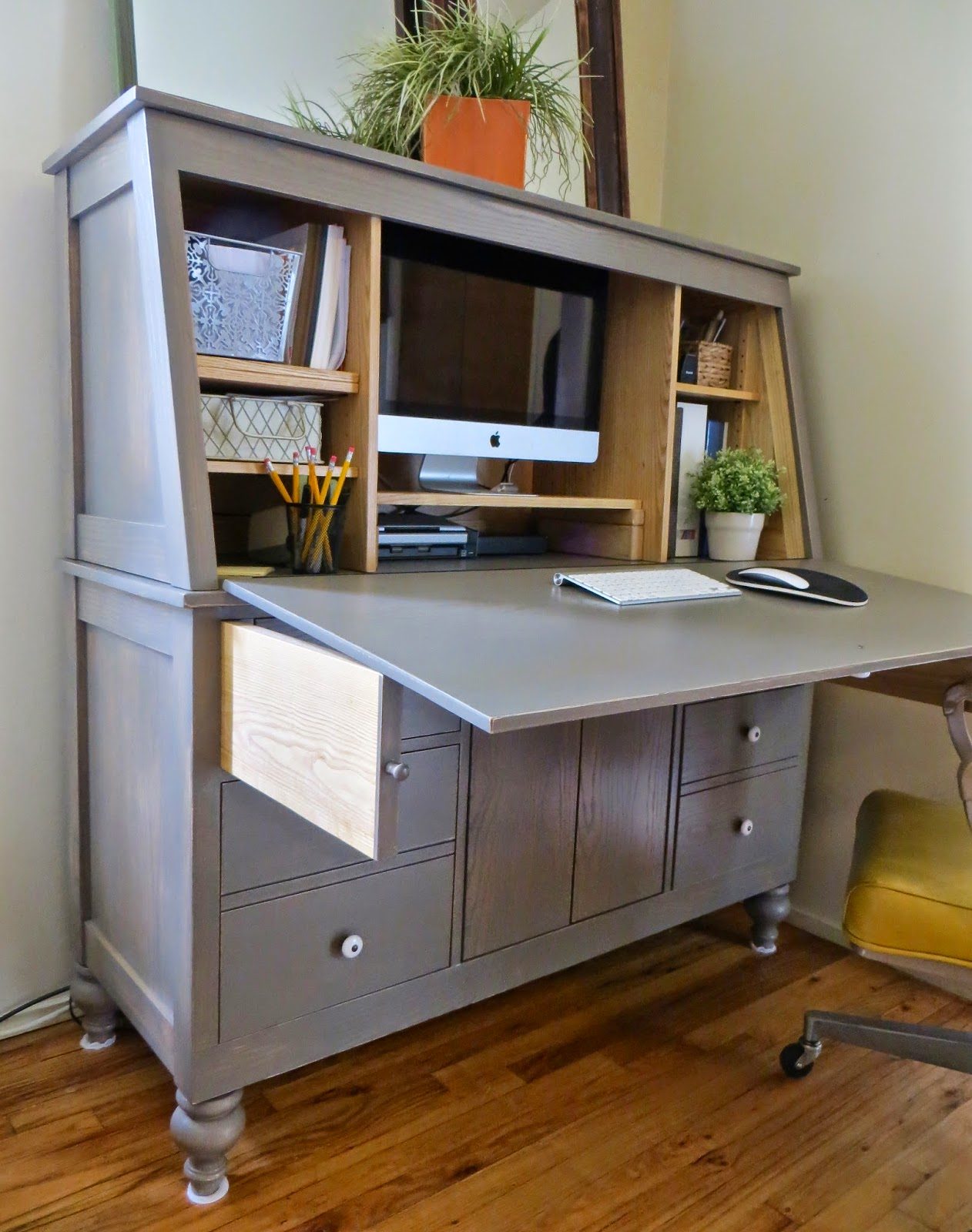 The Project Lady Woodshop Hutch Desk Part 4  Finale