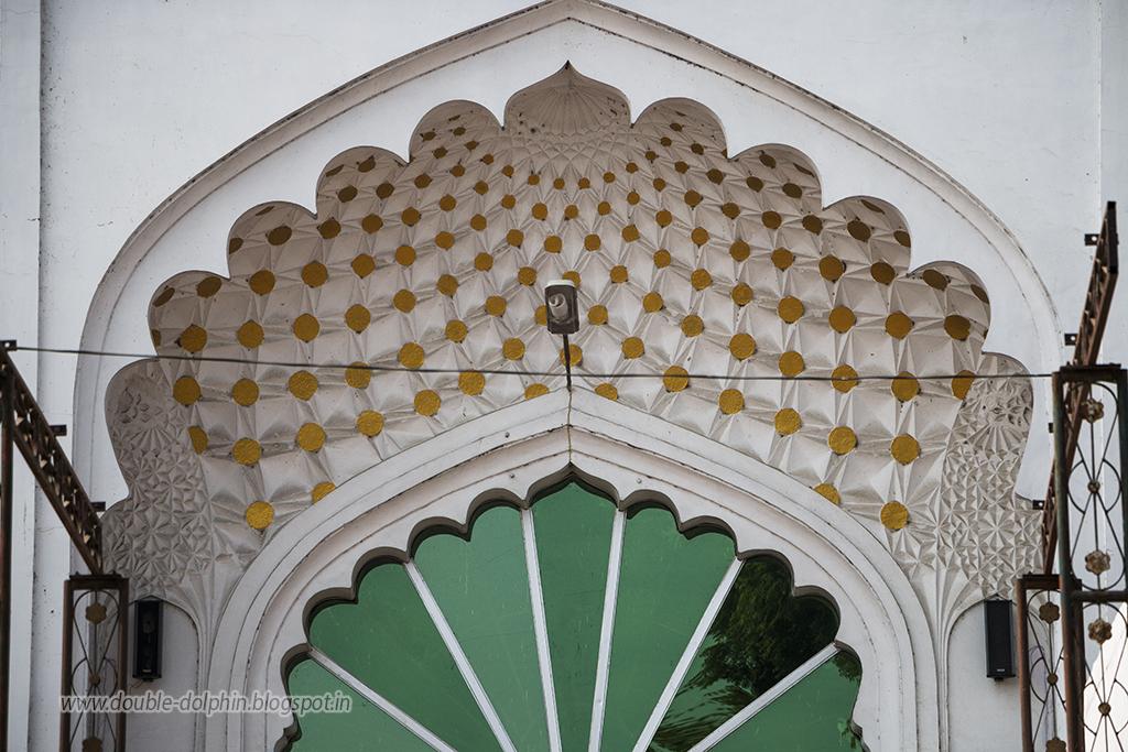 The Concrete Paparazzi: Teele Wali Masjid, Lucknow