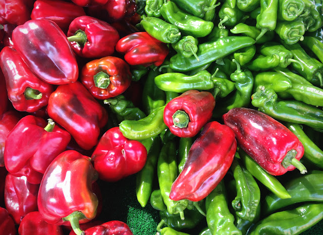 Red green peppers - veg - Lemon Tree Market, Guardamar del Segura