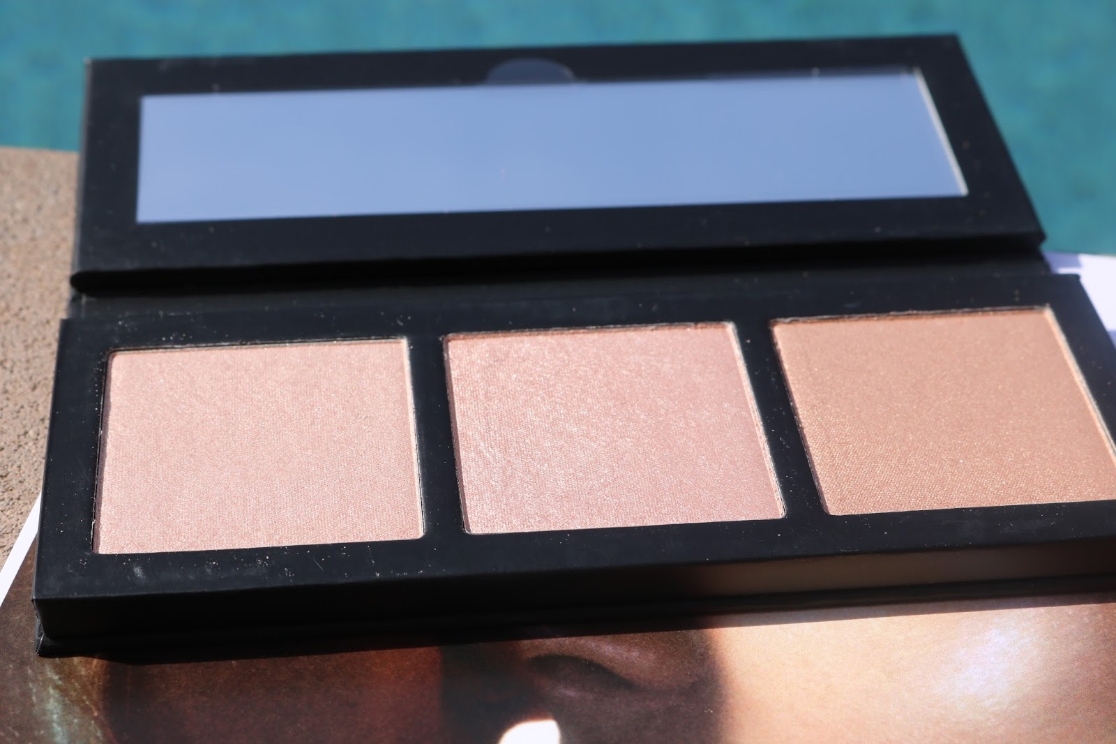 MAC Hyper Real Glow Palettes in Flash + Awe