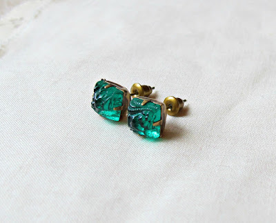 image vintage rhinestone earrings ear studs two cheeky monkeys square diamond emerald green