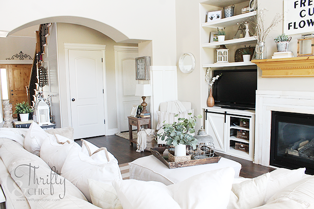 White and neutral farmhouse cottage living room decor and decorating ideas. Two story living room and great room ideas.