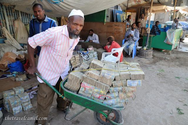 Uang di jual di Pasar Hargesia