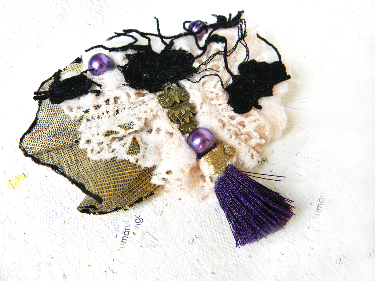 """Owl.Love.Purple"" Brooch"