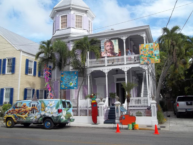 The Artist House in Old Town Key West is a Victorian guesthouse within walking distance of Duval Street and all Key West attractions.